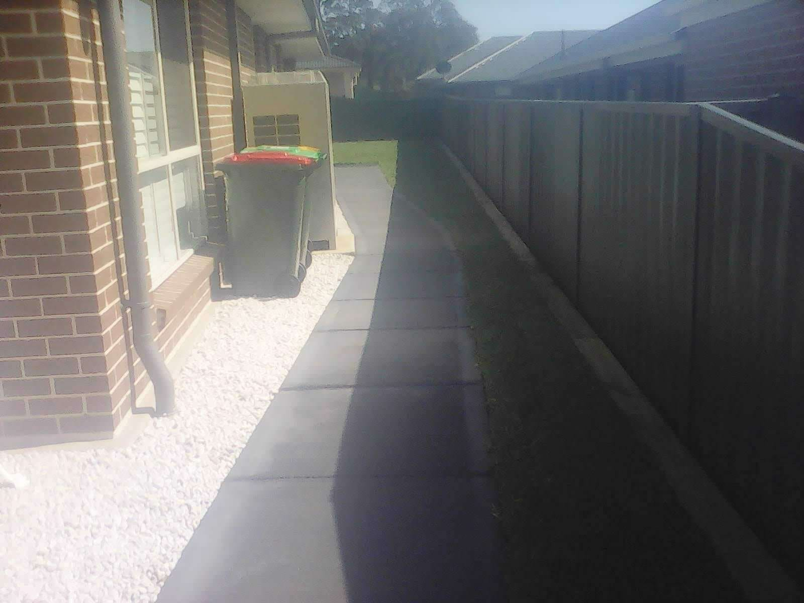 MLC FAB build retaining wall and landscape Hunterview Property
